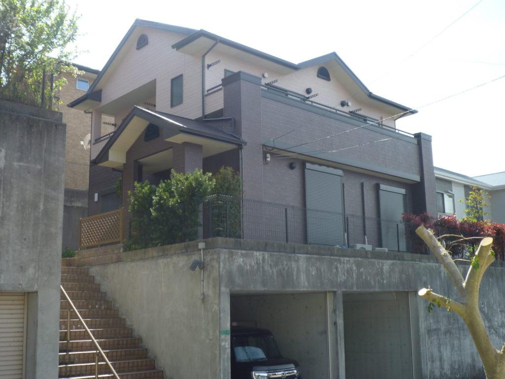【施工事例】外壁塗装(アステリア御影石彫仕上げ:多彩色)屋根塗装(アレスクールフッ素)